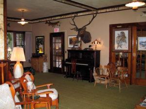 lodge_sitting_room